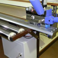 Раскройный стол для изготовления рулонных штор (жалюзи) СМ-3×1 – 2,5 м.-pnevmo